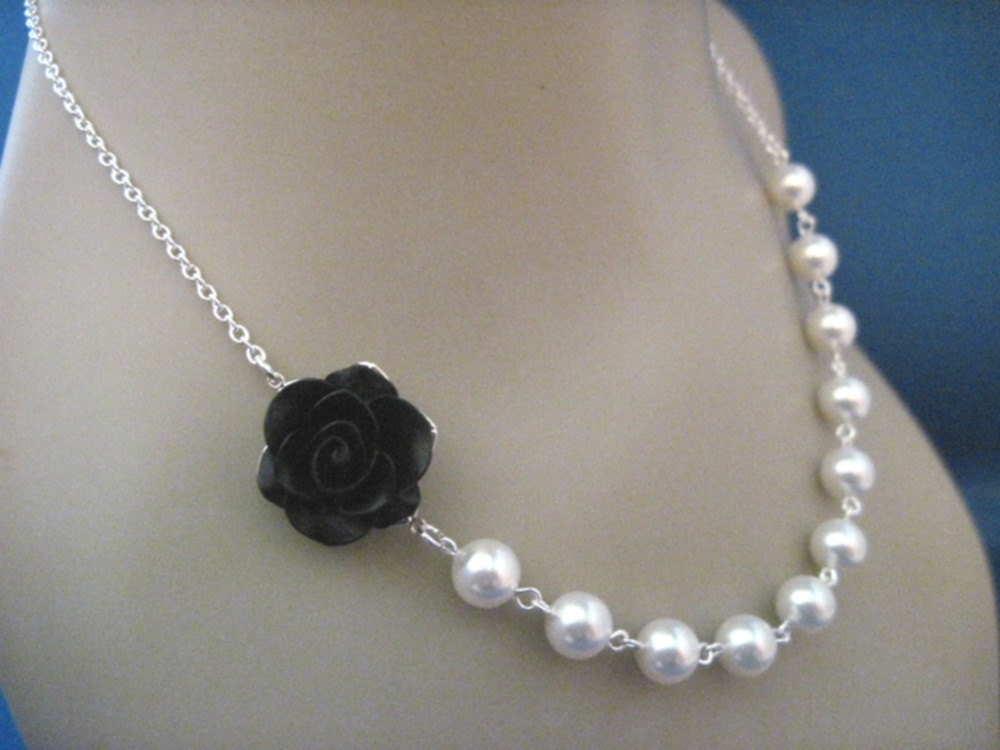 Bridesmaid Jewelry, Bridal Jewelry Black Rose and White Pearl Bridesmaid Necklace