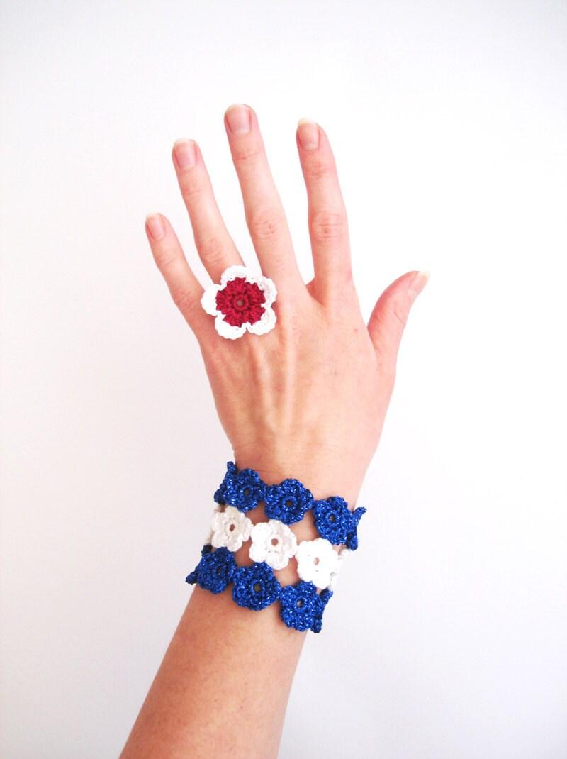 Crochet Flowers Bracelet, Snow White Shimming Indigo Blue - CrochetPocket
