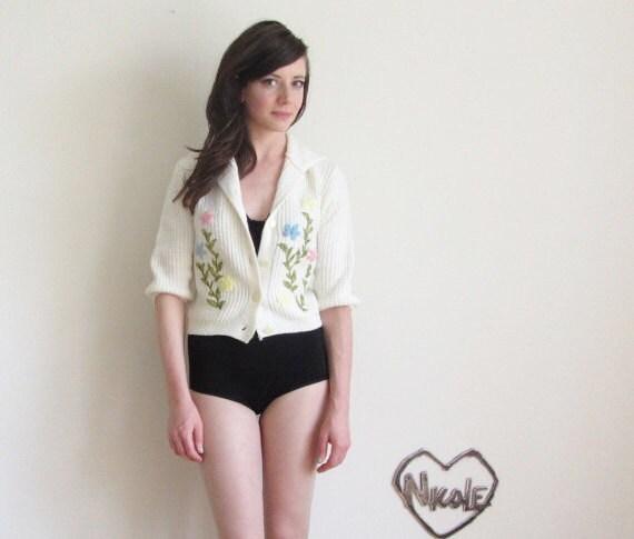 crewel knit cardigan . 1960 floral top of daggone DREAMS .small.medium .sale - DOTTO