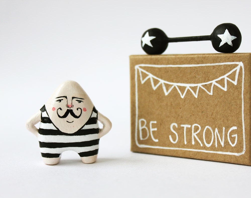Moustache man miniature figurine - Circus strongman - Pocket box - Be strong