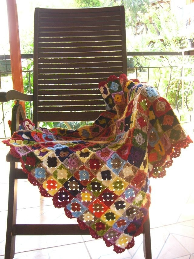 Handmade Traditional Granny Square  Blanket For Baby Or Your Lap - Multicolor - karmaistanbul