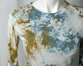 Water Crystals Bamboo Tee in Wedgewood and Golden Bronze (small)