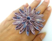 A huge ring with purple ceramic flower romance style fashion jewelry  For her elitett