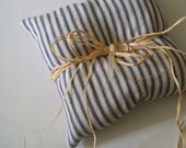 country... natural cotton ring pillow