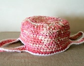 Rag crochet basket with long straps and white trim