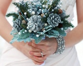 Winter Sparkle Bouquet - Free Boutonniere
