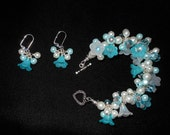 Pretty blue flowers bracelet and earring set