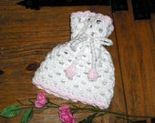 Baby Girl Gathered Beanie Hat in White and Pink 0-6 months