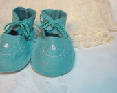 Teal  Wool Felt Baby Booties  3 to 6 months - TRAFLEURS