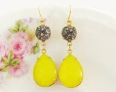 Vintage Lemon Yellow Moonstone Teardrop and Gray Textured Black Hematite Glamour Dangle Earrings - silverliningdecor