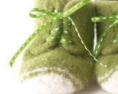 felted high top baby shoes - leaf green - size 1, 0-3 months