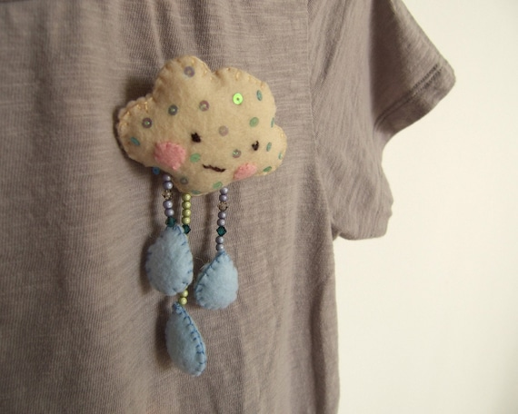 Trippy cloud raindrops - brooch