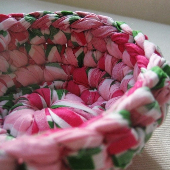 Sweet Petite Upcycled Pillowcase Bowl (Prepster)