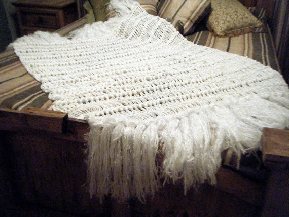 White Home Accent Fringe Throw Blanket.  Sofa Couch Shabby Chic Decor. Long, Textured Shag Tassels. Free Shipping International, US