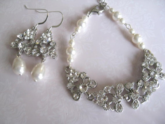 Rhinestone and pearl bracelet earrings set