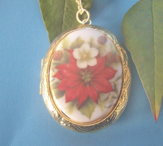 Red Poinsettia Gold Locket - Vintage Porcelain Cameo - Large Locket