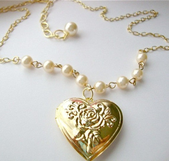 Bella  Locket  Necklace