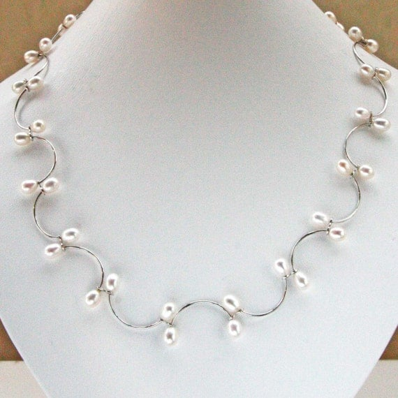 Romantic Pearl Necklace, Bracelet and Earrings
