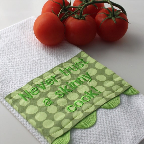 "Kitchen Towel with Amy Butler Fabric and Embroidery ""Never Trust a Skinny Cook"""