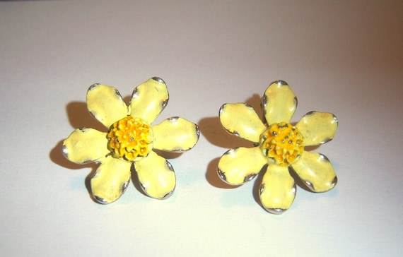 Weiss Yellow Enamel Daisy Earrings (signed)