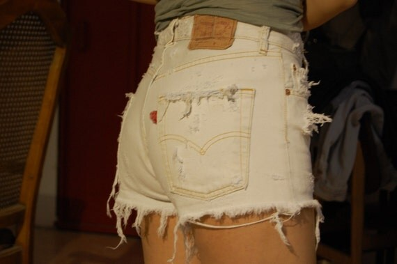 destroyed white levis cut offs