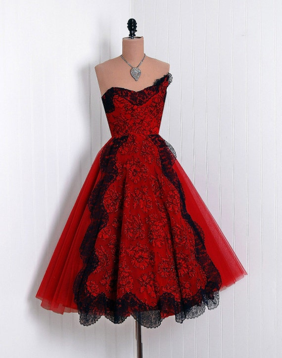 1950's Vintage Red-Roses Flocked Floral-Garden French Chantilly-Lace and Tulle-Couture Sweetheart Low-Plunge Asymmetric Strapless Ballerina-Cupcake Rockabilly Full Circle-Skirt Princess Bombshell Formal Wedding Evening Cocktail Prom Party Dress