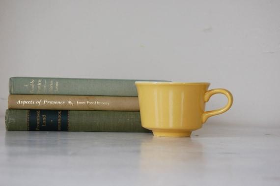 Vintage Daffodil Yellow Coffee Mugs - set of 4