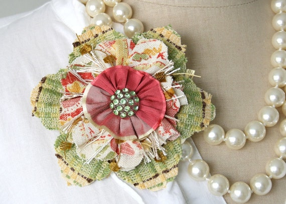 Flower Pin Brooch in Green and Pink Red