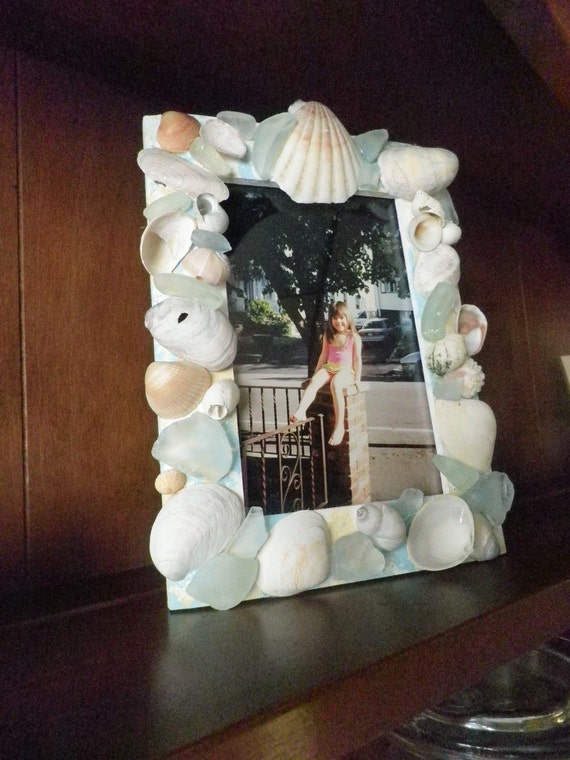 Photo Frame with Seashells - Price includes US postage