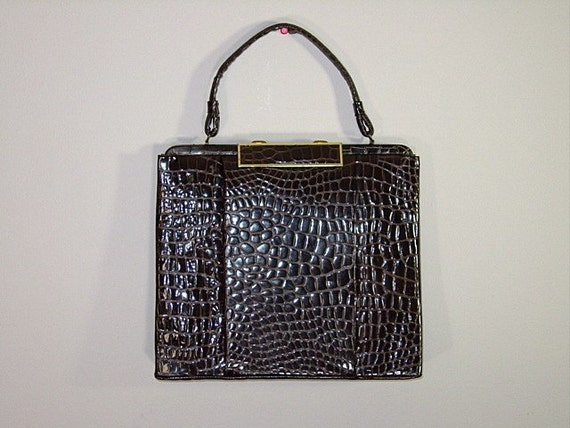SALE--Vintage Purse / Chocolate / ALLIGATOR BAG