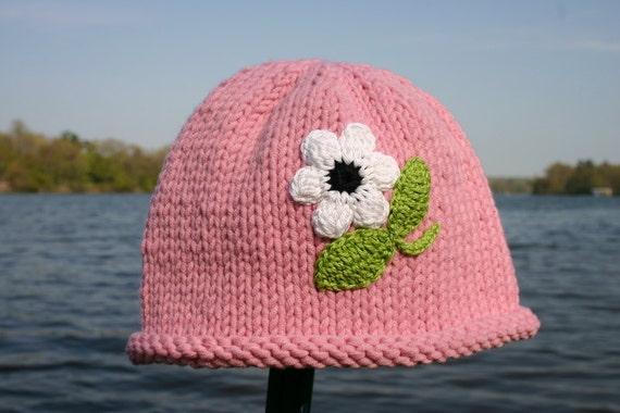 بافتنی کلاه دختر -- دختر دست کلاه صورتی گره با گل