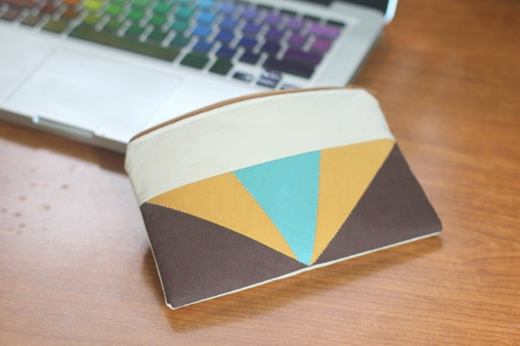 Color Block Triangles Zipper Pouch