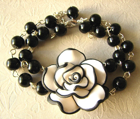 Black and White Necklace, Black Pearl Jewelry, Rose Necklace, Vintage Wedding Jewelry