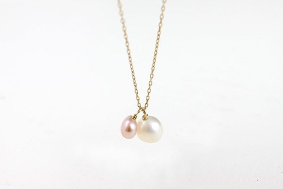 Everyday Pearl Necklace - simple white and pink freshwater pearl 14k gold filled jewelry by petitor