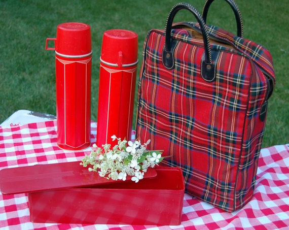 Vintage Tartan Plaid Thermos Picnic Set
