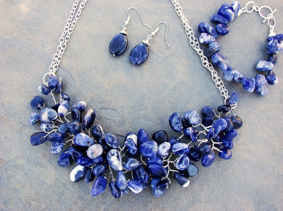 blue twist necklace, double strands of silver chain