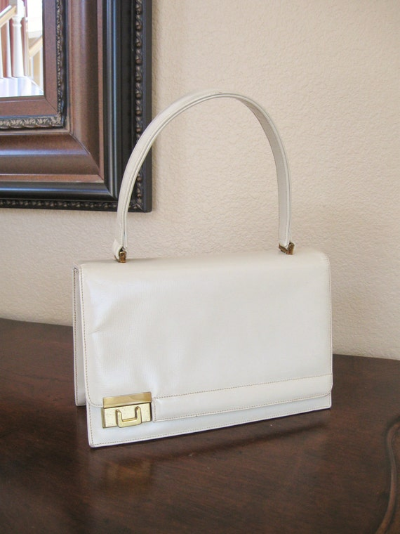 25% Off Vintage 1960s Winter White Leather Lady Purse