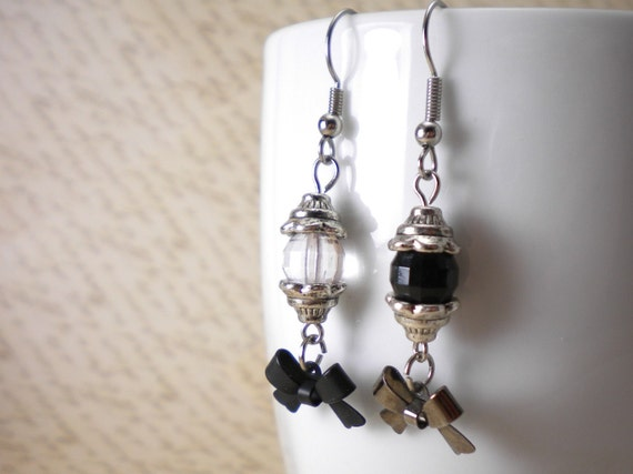 Mismatched Black Clear Bow Earrings