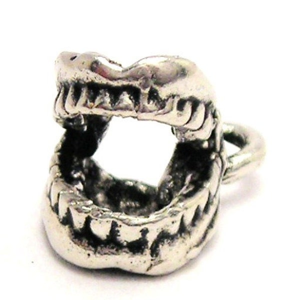 Screaming Denture Teeth horror charms 8 pieces