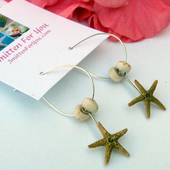 Реальная Миниатюрные Сахар коричневый Морская звезда и Пука Seashell серьги на Провода Loop уха