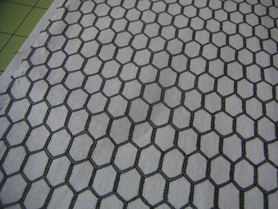 Fabric - Chicken wire pattern