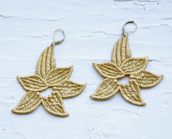 Gold Lace Earrings - Suisan