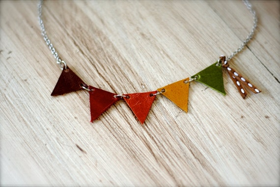 FESTIVE AUTUMN Leather Bunting Necklace