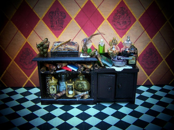Reserved please don't buy-Dollhouse Miniature Harry Potter Student's Potions Study Desk