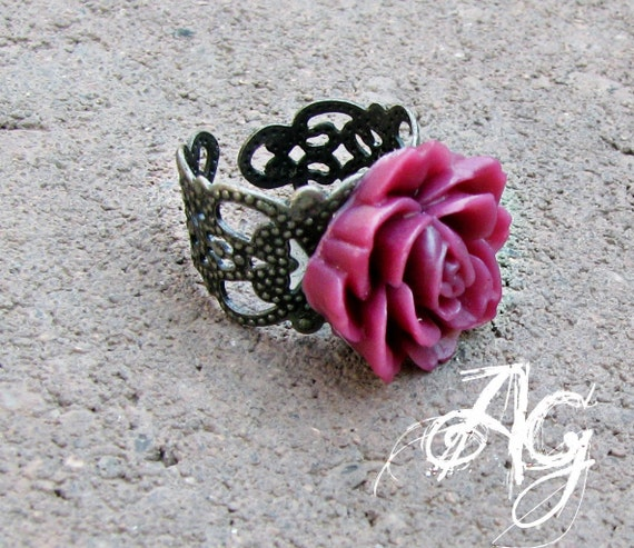Flower Ring - Red Violet