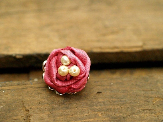 Rose Ribbon Nest Ring