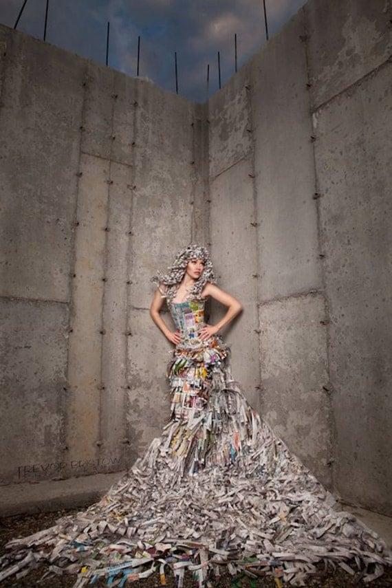 Платья из газет и фольги фото - ltitle - Платья. . . - Главная.