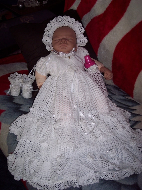 Does anyone have a crochet pattern for a christening/baptism gown