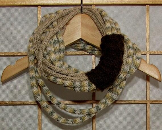 Шарф ожерелье - петля шарф - бесконечность шарфом - шея теплее - вязаные - трикотаж - коричневый крем песочно-серый - змеиная кожа - tbteam therougett