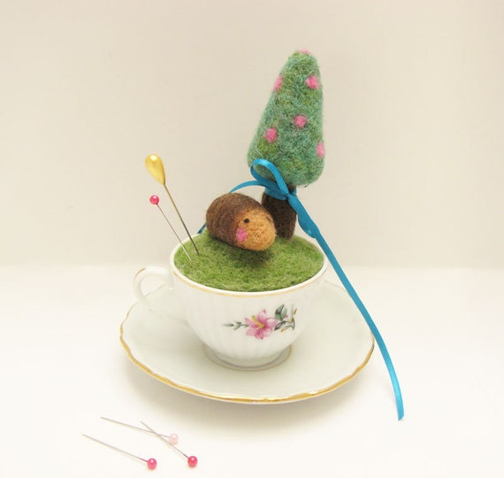 Hedgehog Under Christmas Tree Needle Felted Pin Cushion in Tiny Porcelain Cup, Christmas Decor on Etsy